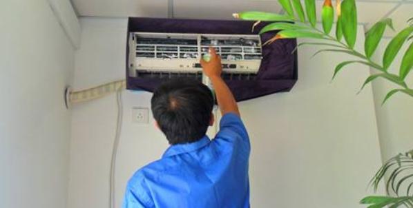 格力壁挂空调要怎么样进行清洗    壁挂空调的拆洗方法