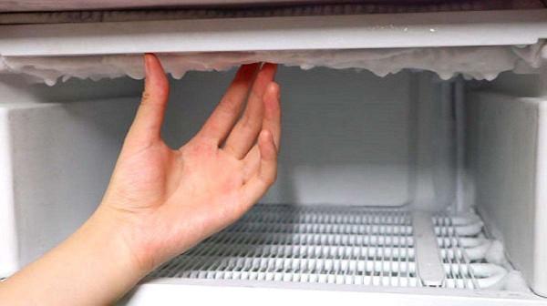 冰箱的排水孔堵了怎么办 电冰箱水管堵塞疏通方法