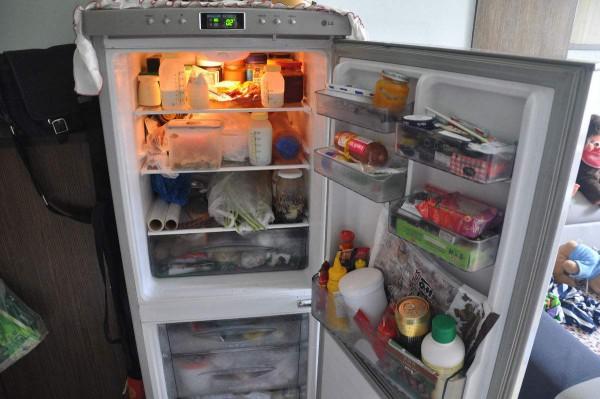 冰箱冷藏室有霜怎么办 电冰箱除霜技巧介绍