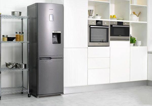 冰箱冷藏室有水怎么回事?