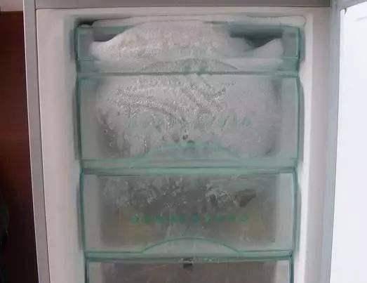 解决冰箱冷藏室结冰5个有效办法   冰箱结霜如何维修