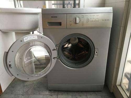 家里滚桶洗衣机不转怎么回事?