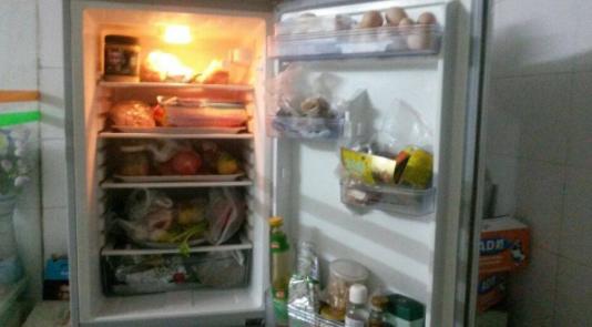 冰箱风扇响怎么回事?