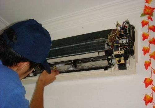 柜机空调的滤网怎么清洗  柜机空调滤网拆卸方法