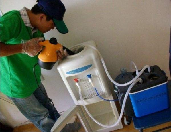 饮水机应该如何进行清洗  饮水机清洁方式介绍