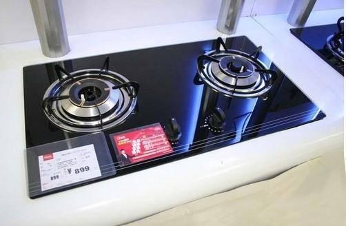 燃气灶开关修理位置在哪  燃气灶微动开关如何维修