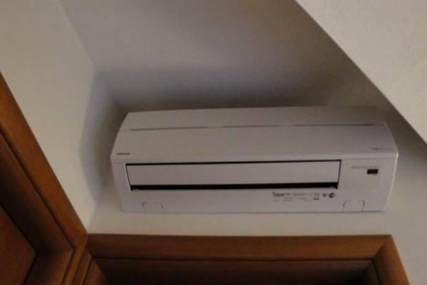 格力柜式空调如何拆洗  如何自己清洗柜机空调